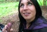 Sex českého páru při procházce v lese